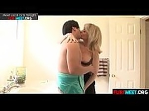 slutload mom and son sex video