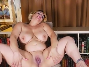 aunt and neice lesbian porn