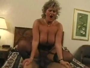 mature sexy women tubes