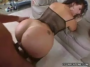 squeeze her pussy