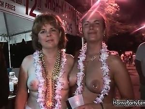 mardi gras drunk girls flashing