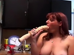 girls that suck large cock