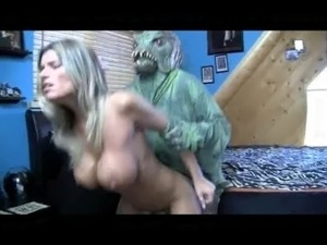 Hot alien sex