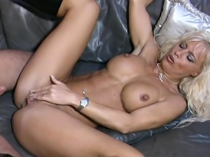 videos of girls with vibrators