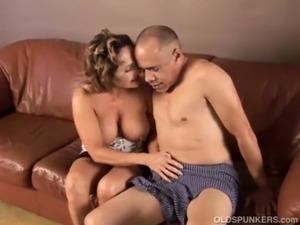 making mature mom suck dick