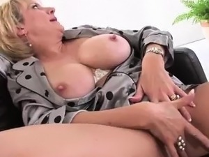 lady sonia oil boobs vids