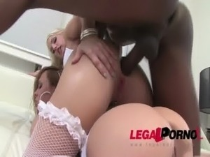 get wife to try threesome
