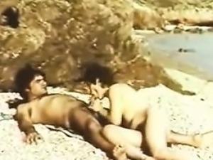 seks-klipi-na-plyazhe