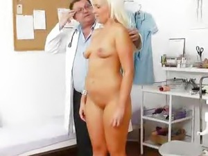 doctor checkup picture pussy
