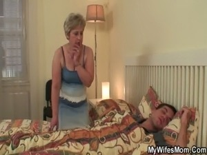 hot mom fuck young boy
