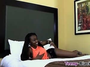 teen toying lesbians