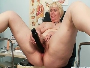 Sexy vagina exam