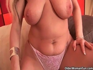 mom having orgasm voyer video