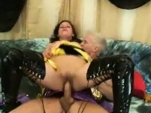 sexy mature in latex