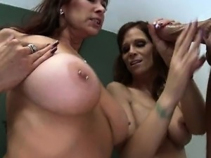 amature mature mom lesbian