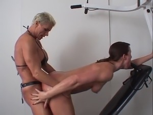 lesbians having anal sex with strapons