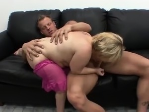 hairy midget pussy