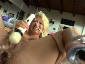 watchporn how make a girl squirt