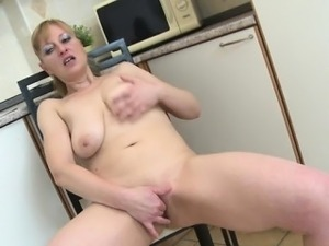 mature big breast women xxx nipples