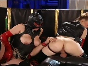 ebony latex porn bondage