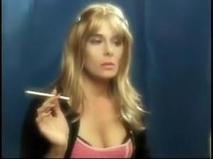 smoking bong pussy