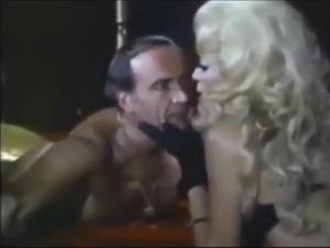 picture blonde smoking gun