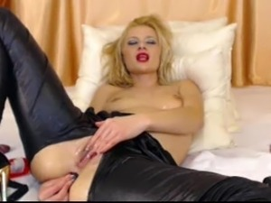 blonde webcam slut