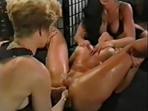 free lesbian strapon sex movs