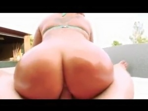 hardcore sex in pool