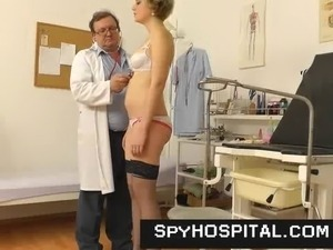 free video naked women doctor handjob
