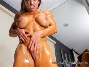 naked muscle women movies