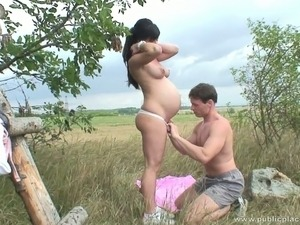 pregnant and horny girls pics