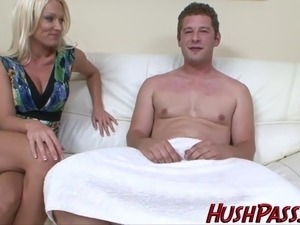 hot mom seducing young girl