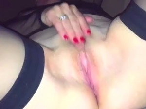 Hand in pussy video
