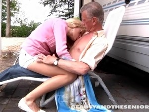 old man licking young bald pussy