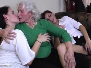 younger mature lesbian