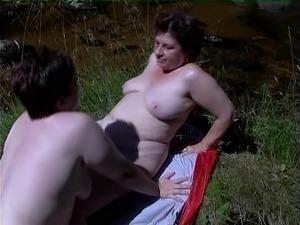tube mature lesbians