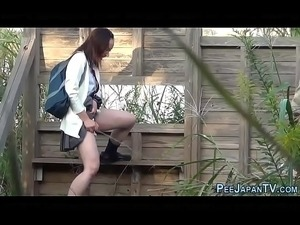 videos girls pissing