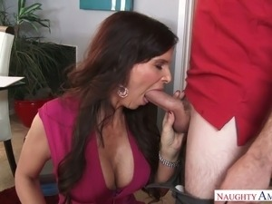 Sex crazed MILF Syren De Mer loves tight fitting dresses and young men