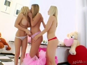 ass licking lesbian twin sisters