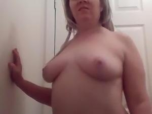 Sexy girls booty shaking