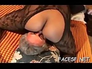 free mature facesitting pics