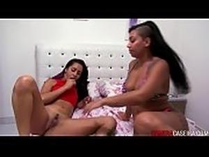 Squirt lesbian movies